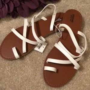 NEW TARGET STRAPPY SANDALS